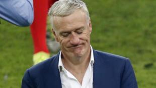 La decepción del técnico Didier Deschamps, tras la derrota de Francia ante Portugal, este 10 de julio de 2016.