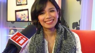 Andrea Juárez en los estudios de RFI