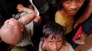 A kowacce rana adadin Musulmi 'yan kabilar Rohingya da ke kwararowa zuwa Bangaladesh na karuwa, a dai dai lokacin da rikici ke kara tsananta a Myanmar.