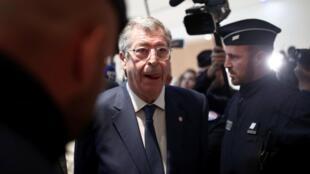 Мэр Левалуа-Перре Патрик Балкани в суде Парижа 13 сентября 2019 года