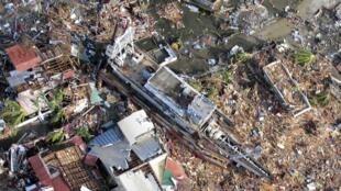 Garin Tacloban na kasar Philppines da Guguwr Haiyan  ta share a ranar 9 novembre 2013.