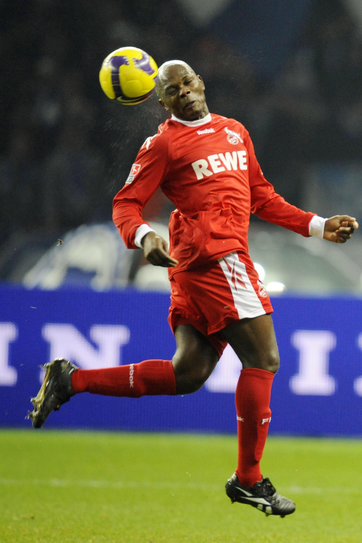 Le Camerounais Pierre Womé sous les couleurs de Cologne fin 2008, avant de rejoindre Chambly et le National.