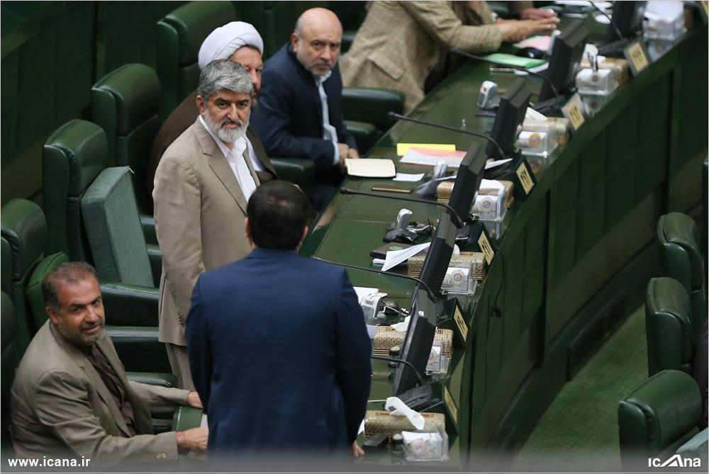 علی مطهری در جلسه علنی مجلس، روز یکشنبه هفتم شهریور