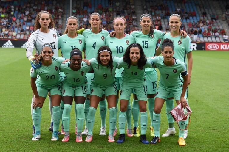 A Selecção Portuguesa de futebol feminino.