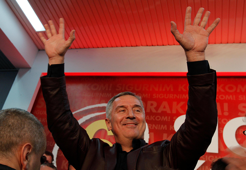 Milo Djukanovic devant ses partisans dans la nuit du 16 au 17 octobre 2016.