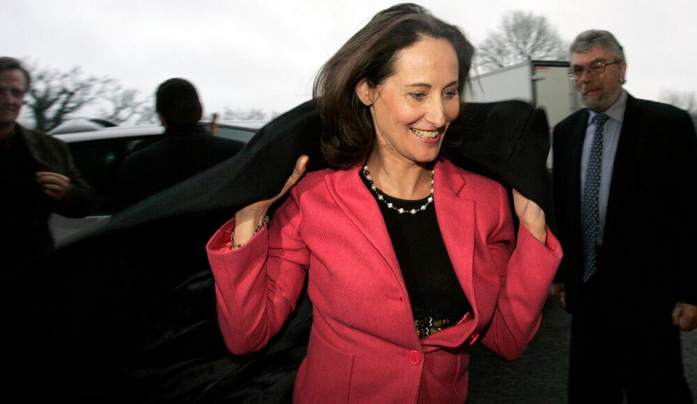She's back - presidential candidate in 2007, Ségolène Royal becomes ecology minister, a job she held in 1992