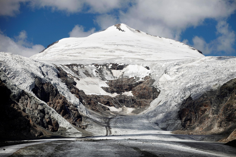 Khu băng đá Pasterze, lớn nhất ở Áo, nhìn từ núi Hohe Tauern, tỉnh Carinthia, ngày 14/08/2011.