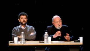 Intervention de Wladimir Glasman (à droite) au forum de solidarité avec la Syrie, Le silence tue, le 19 novembre 2012 au Cent-quatre, Paris.