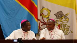 Los arzobispos de la Conferencia episcopal nacional del Congo (Cenco), Marcel Utembi et Fridolin Ambongo, 21 de diciembre  2016.