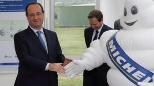 François Hollande visited the Michelin plant on Friday.