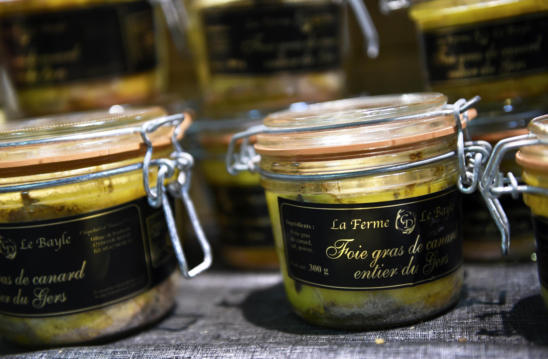 """Japão proibiu a importação de """"foie gras"""", da França, por medo do vírus da gripe aviária."""
