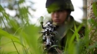 Los conflictos involucran a las militares, al ELN, a disidentes de las FARC y a paramilitares.
