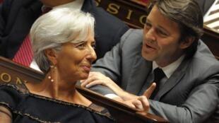 François Baroin (e) substitui Christine Lagarde no ministério francês da Economia.