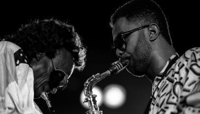 Miles Davis et Kenny Garrett, au Festival de Jazz de North Sea, à La Haye, en juillet 1988.