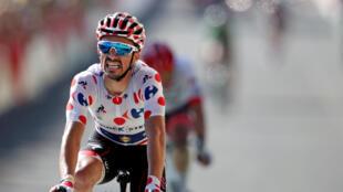 Julian Alaphilippe grimace : il a terminé deuxième de la 14e étape du Tour à Mende.