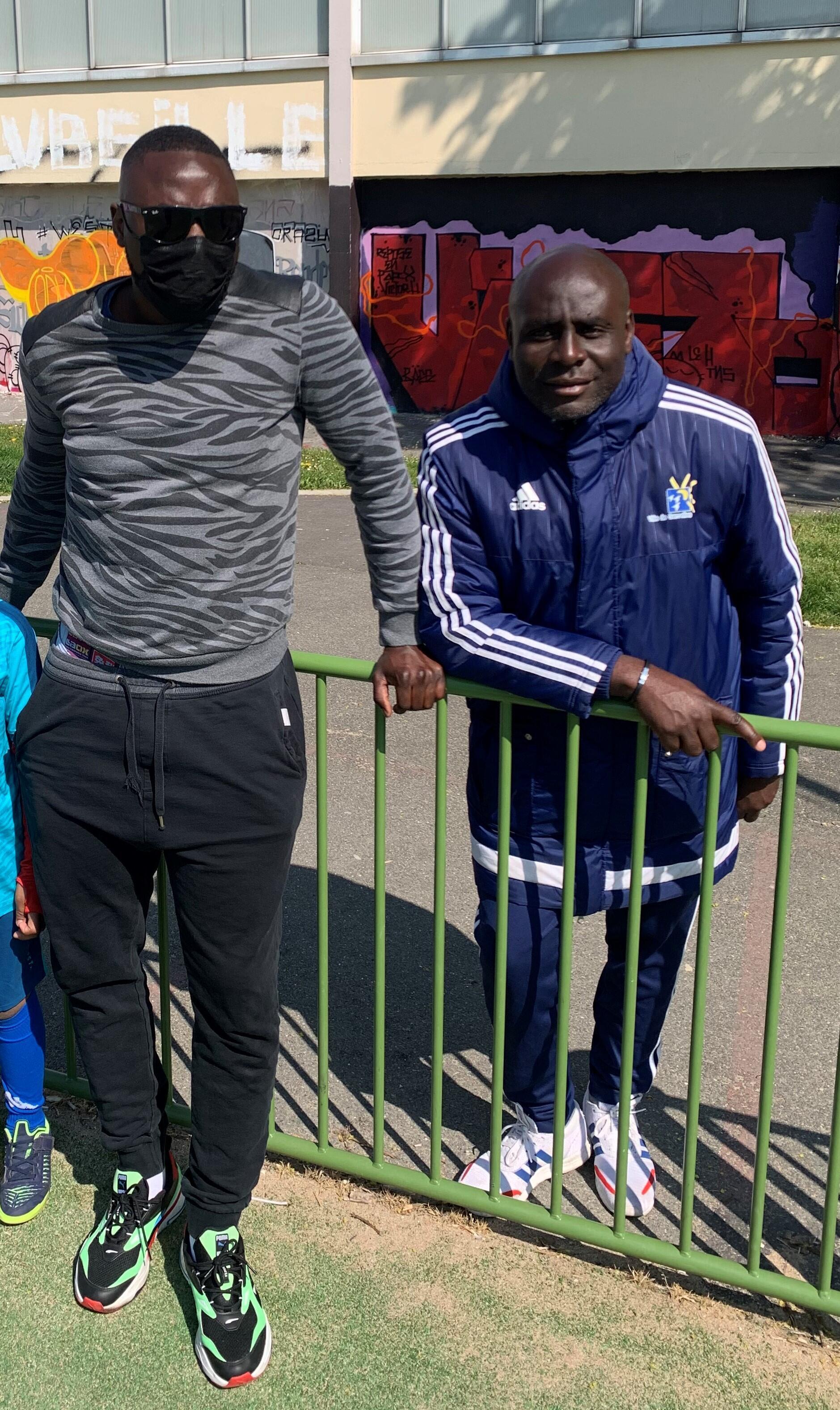 Souleymane (g) et Ate Nzate, connaissances de Riyad Mahrez.