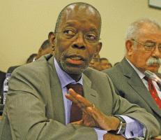 Adriano Maleiane, ministro da Economia e Finanças de Moçambique