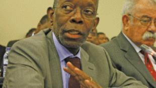Ministro moçambicano da Economia, Adriano Maleiane.
