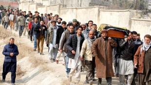 Đám tang các nạn nhân vụ khủng bố tại Kabul hôm 27/01/2018.