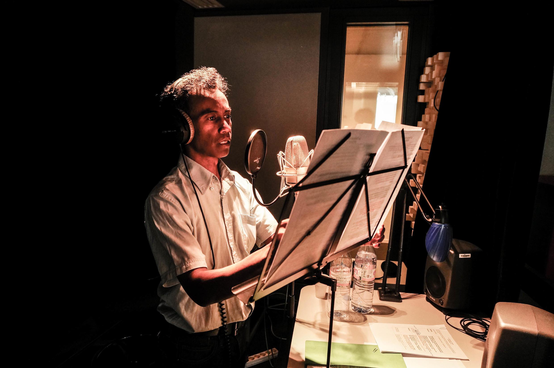 Séverin Andriamicantonirinason dit Faffa, comédien, a interprété la voix de Kwamé pour la version malgache du talisman brisé.