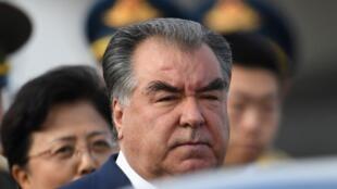 Президент Таджикистана Эмомали Рахмон находится напосту с1992 года. Фото сделано в апреле 2019 года.