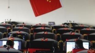 中国山西长治一个网吧。