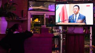 Discours du président malgache Hery Rajaonarimampianina au lendemain d'une manifestation meurtrière.