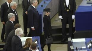 همسر هلموت کهل در مراسم پارلمان اروپا -  شهر استراسبورگ