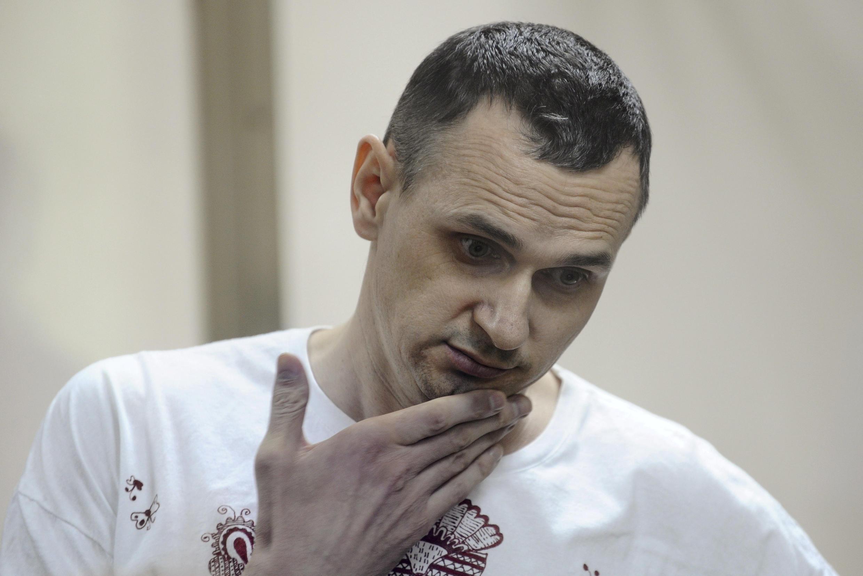 Олег Сенцов в суде 25 августа 2015 (архивное фото)