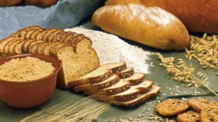 O gluten é uma proteina presente no trigo, na cevada, no centeio e, em alguns casos, na aveia.