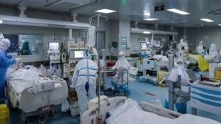 بیش از ۵۳۰۰ بیمار کرونایی در بیمارستان های تهران بستری هستند