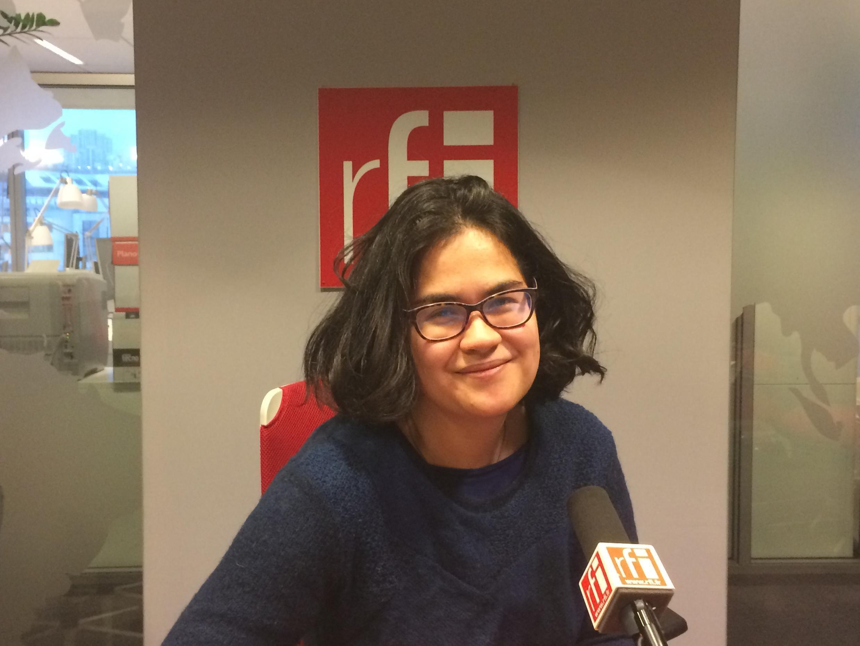 Caroline Herbelin, giảng viên đại học Toulouse II-Jean Jaurès tại phòng thu RFI.