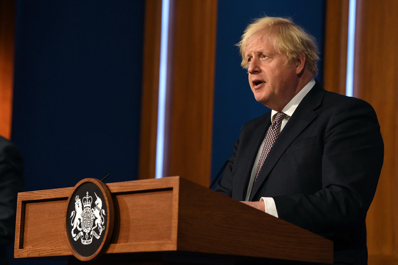 Boris Johnson lors de la conférence de presse virtuelle à Downing Street, le 5 juillet 2021.