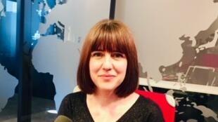 La romancière québécoise Hélène Frédérick en studio à RFI (juillet 2019).