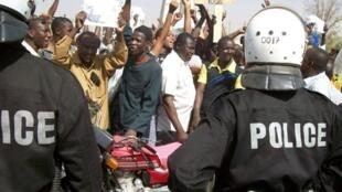Demonstrators in Niamey, 20 February 2010