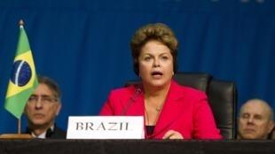 A presidente Dilma Rousseff discursa em sessão de trabalho da 5ª Cúpula de Líderes do Brics em Durban, África do Sul.