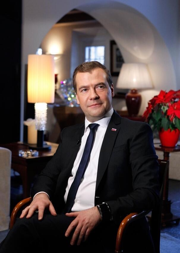 O primeiro-ministro russo, Dmitri Medvedev, se disse preocupado com o fato de muitas crianças não poderem voltar às aulas nas regiões afetadas pelas enchentes.