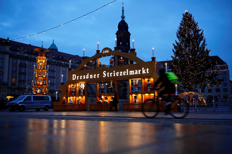 ផ្សារណូអែល នៅទីក្រុង Dresden ប្រទេសអាល្លឺម៉ង់ នៅថ្ងៃទី ១២ធ្នូ ២០២០