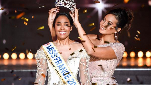 Clémence Botino, Miss Guadeloupe, won the Miss France 2020, 14 December in Marseille by Vaimalama Chaves.
