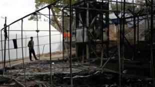 Trại tị nạn Moria trên đảo Lesbos, Hy Lạp, bị thiêu rụi sau trận hỏa hoạn, 20/09/2016.