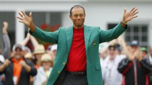 Tiger Woods celebra su decimoquinto gran título en el Masters 2019, está entre los deportistas más famosos del mundo desde hace 25 años.