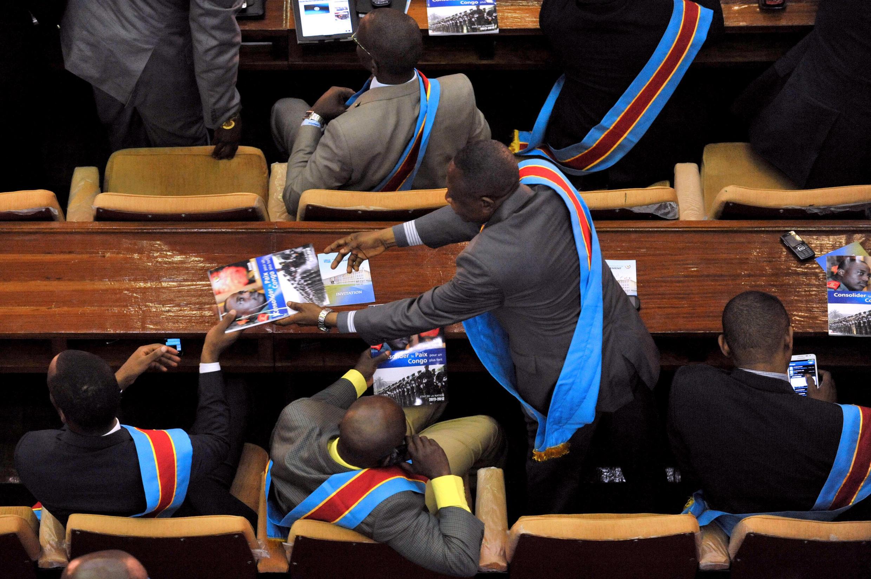 Les élus ont été convoqués à la dernière minute, vendredi soir, pour examiner ce projet de loi électorale controversé, ce samedi 17 janvier 2015.