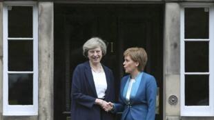 A chefe do Governo regional escocês, Nicola Sturgeon, deve encontrar a primeira-ministra britânica Theresa May que vai tentar evitar a votação sobre o referendo, ou adiar o processo para depois da conclusão das negociações de ruptura com a UE. Foto15/03/16