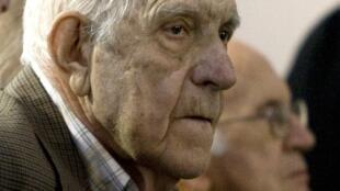 Reynaldo Bignone lors de son audition devant la justice, à Buenos Aires, le 2 novembre 2009.