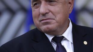 O partido GERB do primeiro-ministro Boyco Borissov sem maioria absoluta nas eleições legisltivas de 4 de abril, deverá estabelecer coligações designadamente com o partido Bulgária Democrática do animador de televisão Slavi Trifonov, que faz a sua entrada na cena política.