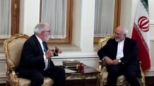 Ngoại trưởng Iran Mohammad Javad Zarif (P) tiếp ủy viên Liên Âu về Năng lượng Miguel Arias Canete, Teheran, 20/05/2018.
