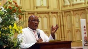 Wilfrid Napier, cardinal sud-africain, le 10 février 2013 à Durban, lors d'une messe commémorative à la cathédrale Emmanuel.