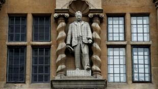 Cecil Rhodes creía en la superioridad de la raza blanca.