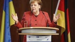"""سخنرانی آنگلا مرکل صدراعظم آلمان، در """"نشست اقتصادی آلمان- اوکراین"""" در برلین. پنجشنبه ٨ آذر/ ٢٩ نوامبر ٢٠۱٨ /"""