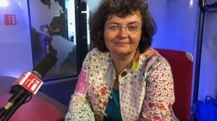 A professora de literatura brasileira, Šárka Graouvá.